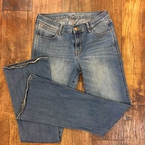 Old Navy Micro Flare Light Wash Size 6 Reg